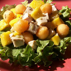 chicken salad with melon and mango