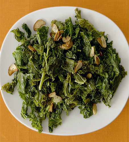 Foodie Tuesday: Garlicky Sautéed Greens